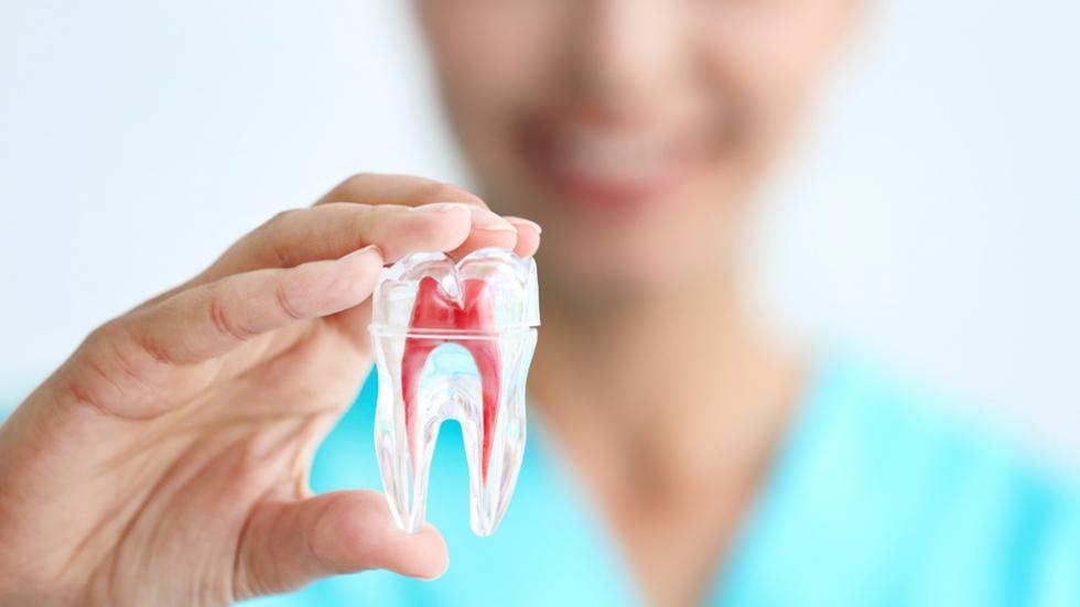 Причины удаления нерва в зубе